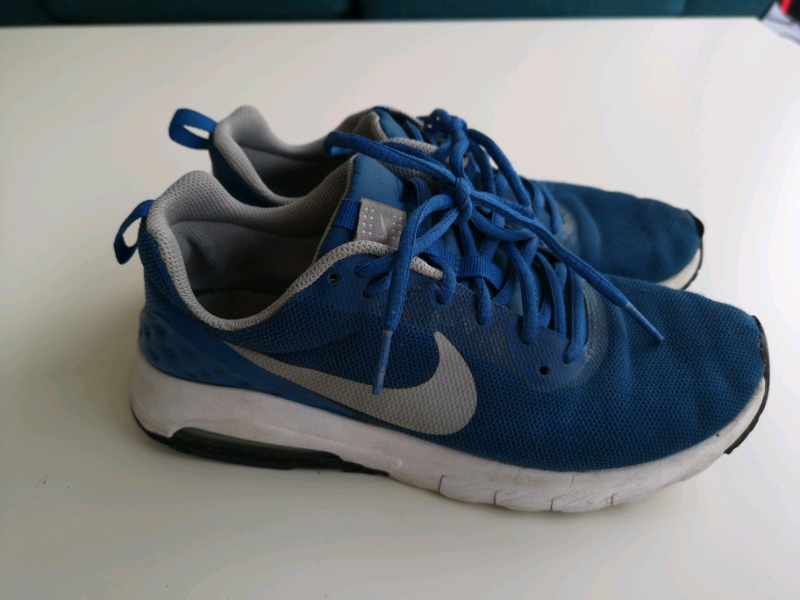 3450eed91d40 Boys Nike trainers size 5