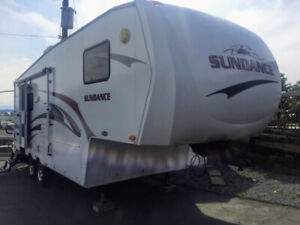 Excellent Condition,  26 Ft Sundance Fifth Wheel
