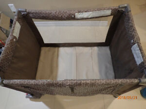 Foldable Play Pan/Bed