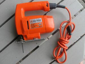 VINTAGE BLACK & DECKER CORDED ELECTRIC JIG SAW