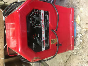 Lincoln Electric. AC/DC 225/125 ARC Welder Kawartha Lakes Peterborough Area image 1