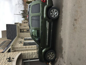 2007 Jeep Liberty Green SUV, Crossover