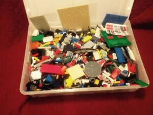 Large Container (15 Pounds) of Lego Building Blocks