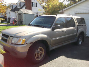 2001 Ford Explorer Sport Trac SUV, Crossover