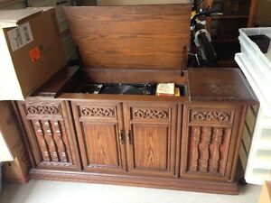 Classic console stereo London Ontario image 1