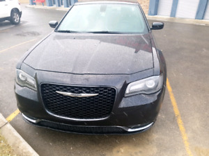 $25,999K Mint/ Low KM 2015 Chrysler 300S for sale