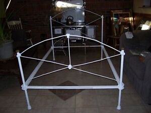 Antique 3/4 White Iron Bed