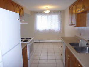 3 BED APARTMENT FOR PRICE OF 2- IN ALLENDALE!