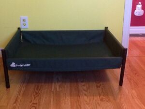 Pet bed  (Sold pending pick up)