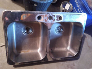 Kitchen sink for sale, great condition
