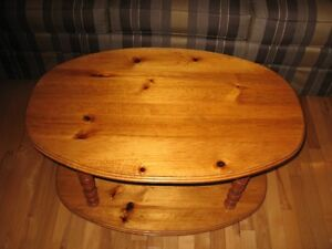 """Small pine coffee table with a 27"""" TV"""