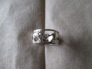 HAND CFRAFTED SILVER RING