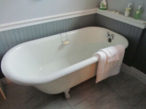 CLAW TUB FOR SALE
