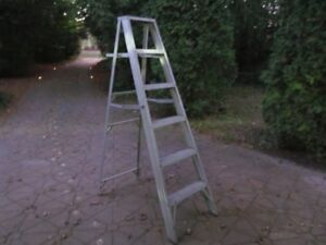 Aluminum Step Ladder 6' Tall