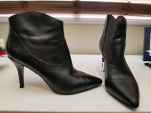 Nine West booties Size 8.5 Worn once!