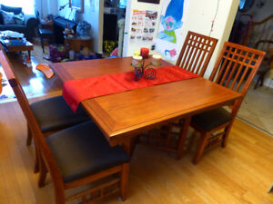 Solid Oak Table Set with 4 chairs – 540 negotiable