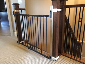 baby gate, clamp mounted