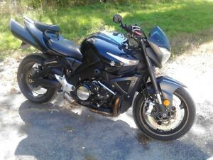 very rare fast and comfortable Suzuki B-king 9.8 second 1/4 mile