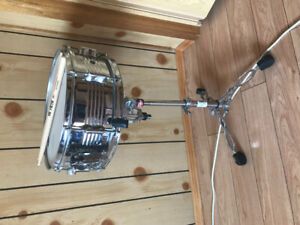 Snare drum, stand and sticks