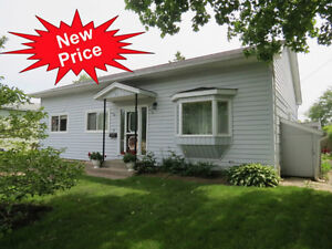 AWESOME PRICE!! Deatached Bungalow Under $220K