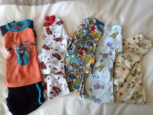5 pyjamas 2/3 ans