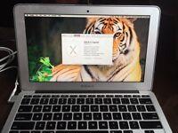 "MacBook Air 11"" 8GB RAM 512GB HDD"