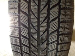 2 Winter tires 225/50/18 Pneus d'hiver very good condition