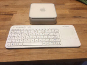 Apple Mac Mini et Clavier logitech Track Pad