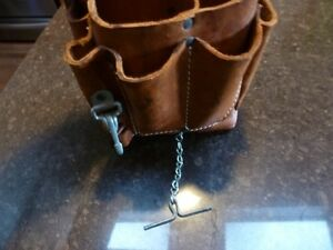 LEATHER TOOL POUCH London Ontario image 4