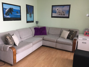 BIG SECTIONAL HIDE A BED AND RECLINER