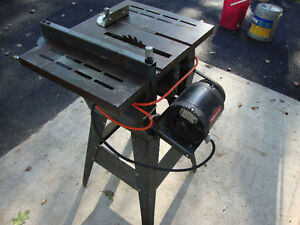 Small Table Saw ( NEW PRICE )