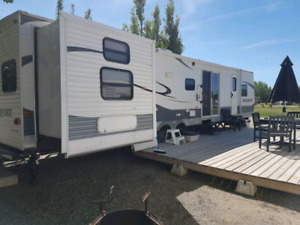 2012 Kingsport 40 foot Destination/Park travel trailer