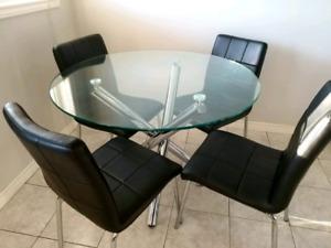 Classy elegant dinner table + 4 chair set
