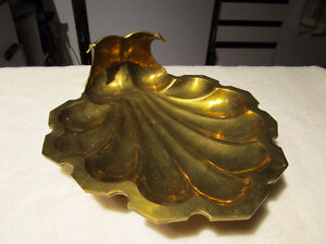 Vintage brass sea-shell design decorative platter.