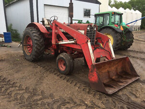 International 856 tractor with  loader