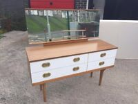 Dressing table with mirror MUST GO