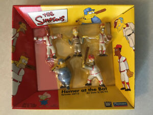 "THE SIMPSONS ""Homer At The Bat"" Boxed Figure Set (Playmates)"