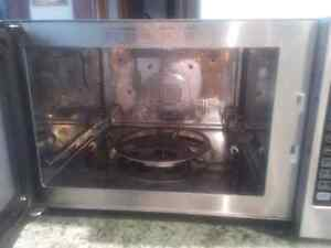 Convention Microwave oven for sale Kitchener / Waterloo Kitchener Area image 1
