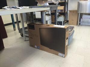 "New in box!!! 32"" LED TV"