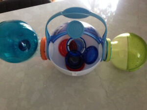 Hamster travel accessories with water reservoir