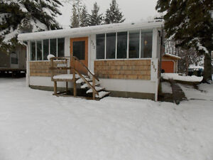 GORGEOUS PIGEON LAKE CABIN.  2 BED, 2 BATH.  STEPS TO THE LAKE! Strathcona County Edmonton Area image 14