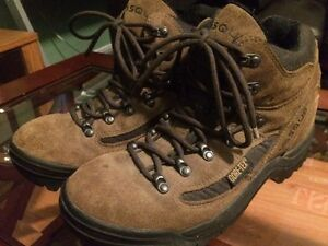 Women's Vasque Gore Tex Hiking Boots