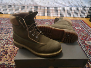 Timberland olive green boots