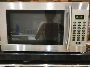 Danby Designer microwave 1 cu ft. Stainless steel