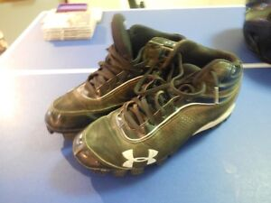 Under Armour Cleats - Size 9 / Euro 42.5