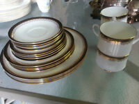 Royal Albert 20 piece Clarence Fine China Set