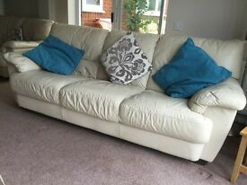 3 Piece Suite, Leather, 1x 3 Seater, 2x 2 Seater,