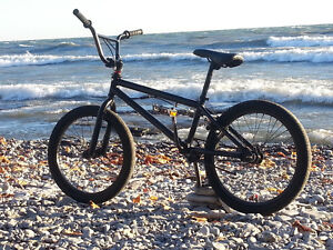 Mongoose BMX Bike - Great Ready for Spring!
