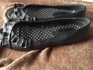 Shoes - women's size 7 Peterborough Peterborough Area image 5