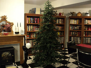 WOW! DONT MISS THIS ONE! 7 1/2 ft Westwood Spruce Christmas Tree